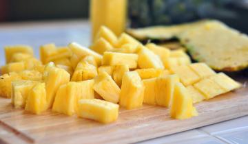 How Katherine Cuts Fruit